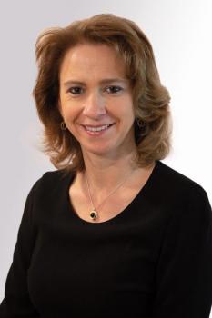 Frau Martina Schlegl