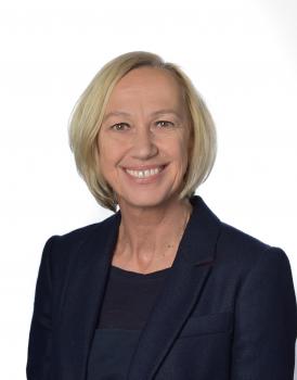 Frau Jutta Striffler